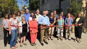 Berthoud Chamber ribbon cutting